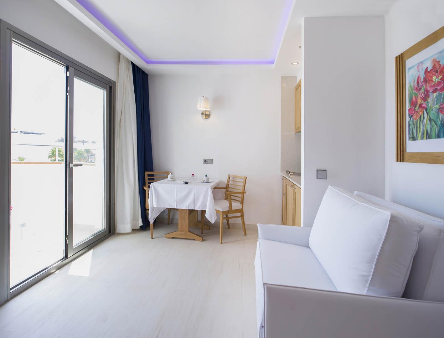 https://www.apartamentosbonsol-ibiza.com/wp-content/uploads/2016/02/09.jpg