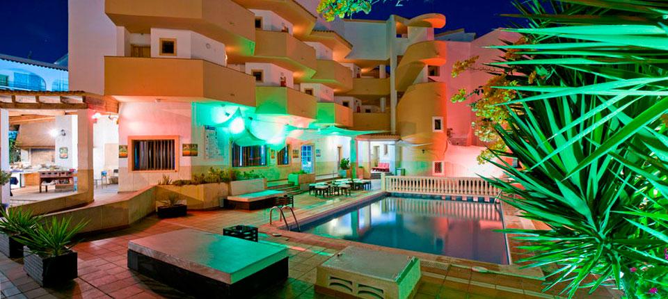 https://www.apartamentosbonsol-ibiza.com/wp-content/uploads/2016/10/slide-bonsol-squash.jpg