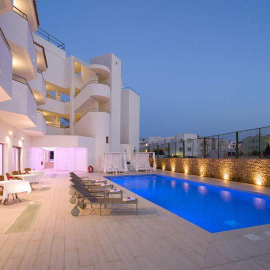 https://www.apartamentosbonsol-ibiza.com/wp-content/uploads/2018/07/05-540x540.jpg