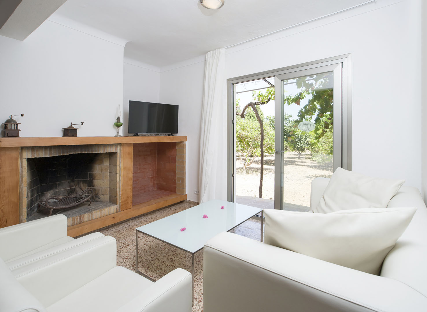 https://www.apartamentosbonsol-ibiza.com/wp-content/uploads/2019/02/08.jpg