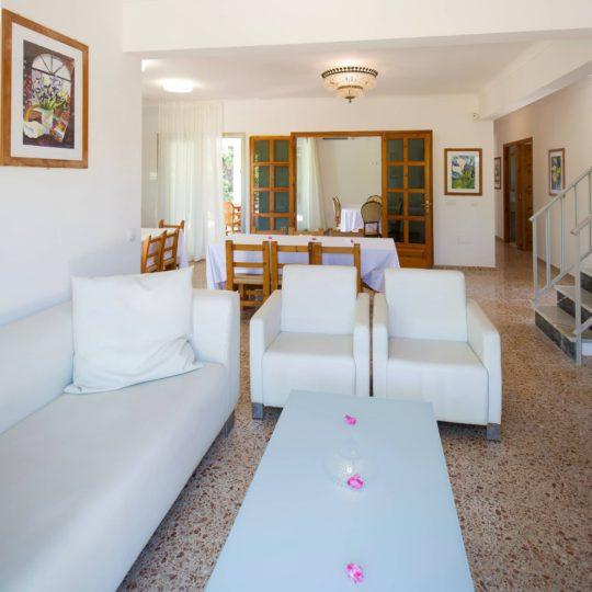 https://www.apartamentosbonsol-ibiza.com/wp-content/uploads/2019/02/MINIATURA-5-540x540.jpg