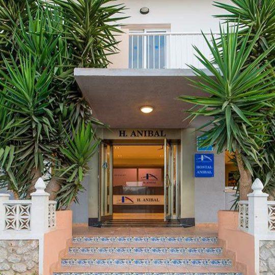 https://www.apartamentosbonsol-ibiza.com/wp-content/uploads/2020/02/Entraa-de-día-compressed-540x540.jpg